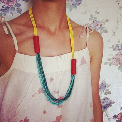 onagono_glass_beads_necklace_asymmetric