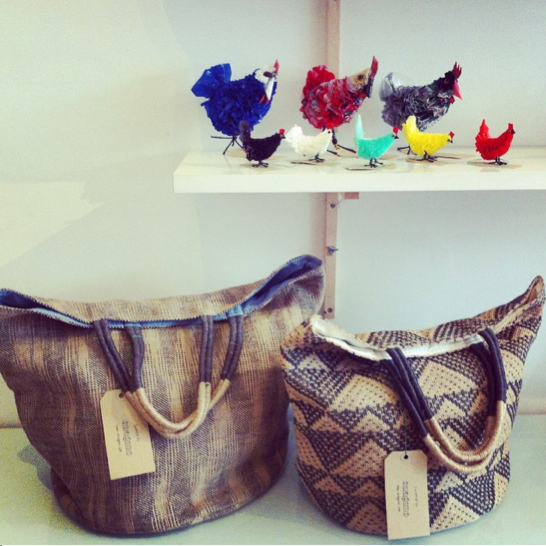 curated_by_onagono_jute_bag_recycled_plastic_chicken