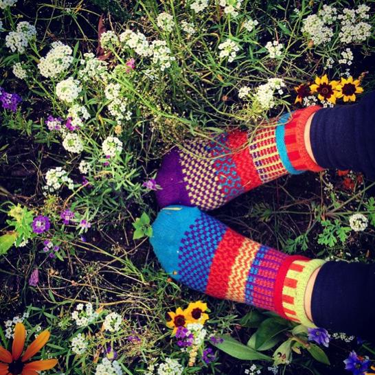 onagono_supermarket_sarah_solmate_socks_flowers